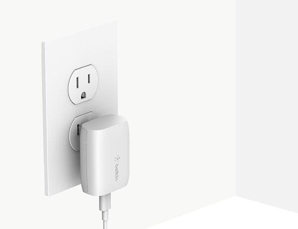 belkin-F7U096dqWHT-usb-c-wall-charger-outlet-v01-r01-820x461-us
